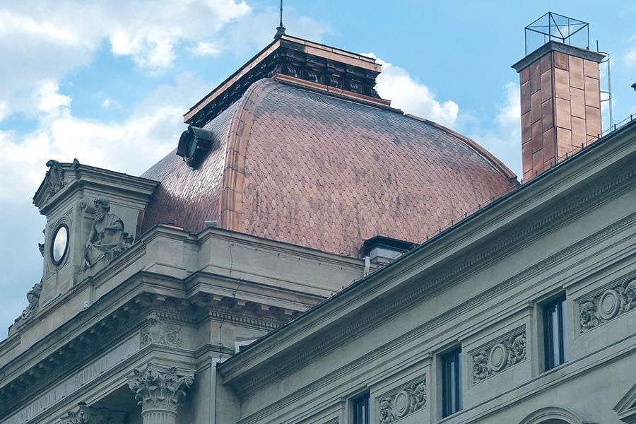 bucharest-building-roof